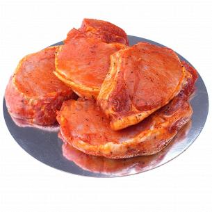 Свиной стейк из битка с костью в маринаде