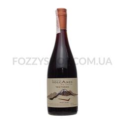 Вино Volcanes de Chile Tectonia Pinot Noir