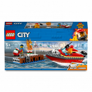 Конструктор Lego City 60213 Пожар на причале