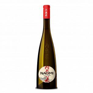 Напиток винный Naomi сливовый белый