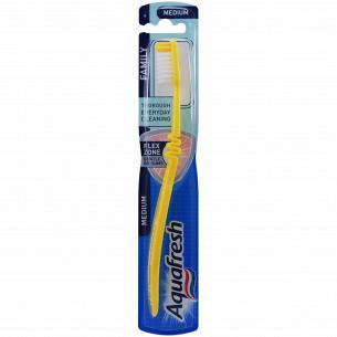Зубная щетка Aquafresh Семейная